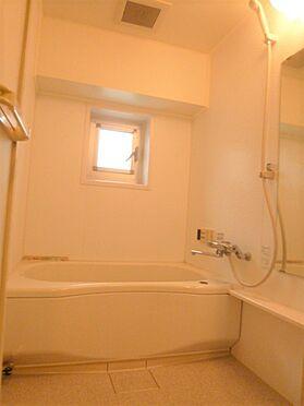 マンション(建物一部)-港区六本木5丁目 明るく清潔感のあるバスルーム