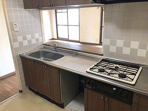 中古マンション-豊田市豊栄町3丁目 リビングが見渡せる対面式キッチン◎ 3口コンロでお料理の幅も広がります♪