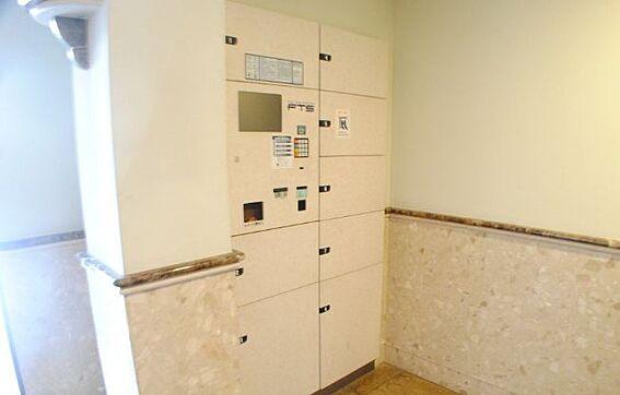 マンション(建物一部)-大阪市北区同心1丁目 宅配ボックスがあるから不在時も安心。