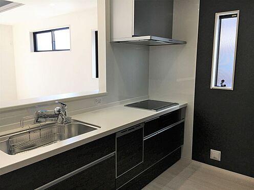 新築一戸建て-みよし市東蜂ヶ池 リビング全体が見渡せる対面キッチン!(こちらは施工事例です。)