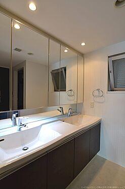 中古マンション-川崎市麻生区はるひ野1丁目 2ボウルのワイドタイプ洗面化粧台。