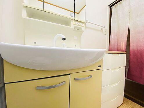 中古一戸建て-糟屋郡志免町田富2丁目 鏡裏収納付き!窓もあり明るい洗面室です!