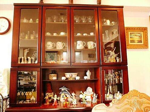 中古マンション-田方郡函南町平井 家具は引継ぎのご相談も可能です。