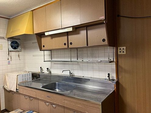 中古マンション-豊田市保見ケ丘6丁目 窓に面したキッチンなので換気がしやすいです