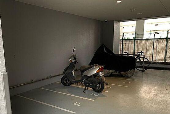 マンション(建物一部)-大阪市浪速区下寺3丁目 屋根のあるバイク置場あり