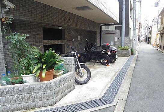 マンション(建物一部)-大阪市中央区上本町西2丁目 自転車だけでなくバイク置場まで完備