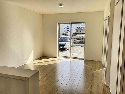 新築一戸建て-知多郡東浦町大字石浜字須賀 キッチンからはLDKが見渡せます。子供の様子もばっちり確認できます。