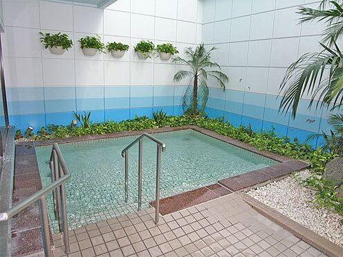 中古マンション-伊東市荻 【露天風呂】タイル張りの温泉露天風呂です。