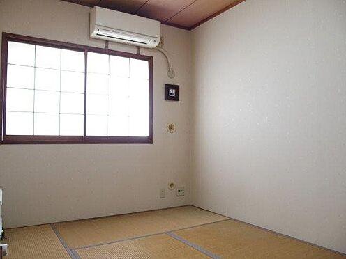 中古マンション-多摩市豊ヶ丘3丁目 約6帖和室です。客間や小さなお子様にも。