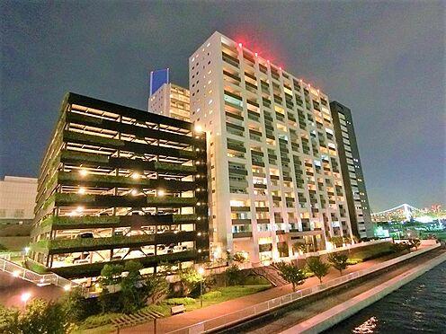 中古マンション-中央区晴海5丁目 夜の外観のお写真です。全438戸のビックコミュニティ。