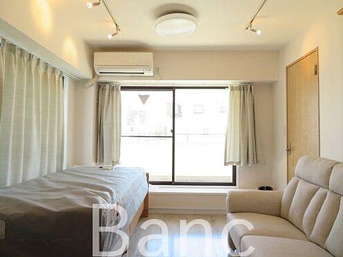 中古マンション-台東区台東3丁目 東京メトロ日比谷線「仲御徒町」駅徒歩約1分と好立地なマンションです。4線4駅利用可能で交通に便利な住環境です。2面バルコニー付き8階角部屋のため、陽当たり・通風・眺望良好です。事務所利用も可。