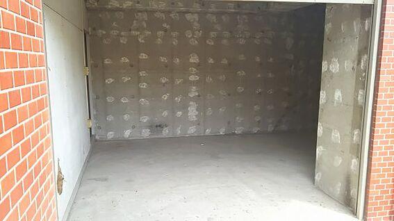 店舗事務所(建物一部)-横浜市鶴見区鶴見中央5丁目 シャッター付き倉庫
