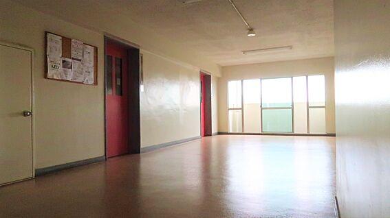 中古マンション-中野区上高田4丁目 エレベーターホール(5階)