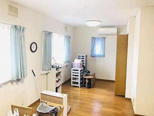 中古一戸建て-名古屋市名東区極楽2丁目 各居室がゆとりがあるため、荷物が多い方も安心です。