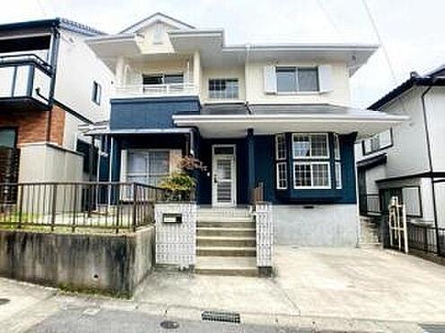 戸建賃貸-豊田市平戸橋町永和 青色が映えるお洒落な外観が目を引きます♪  帰るのが楽しみになる、そんなお家です!