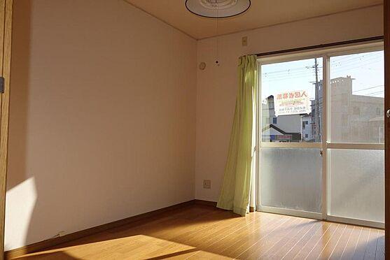 アパート-伊東市宇佐美 売りアパート室内・6帖洋室(陽当たり良好)