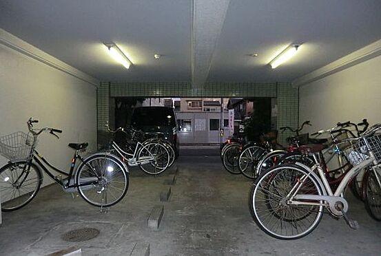 マンション(建物一部)-大阪市生野区林寺2丁目 屋根のある駐輪場で雨の日も安心