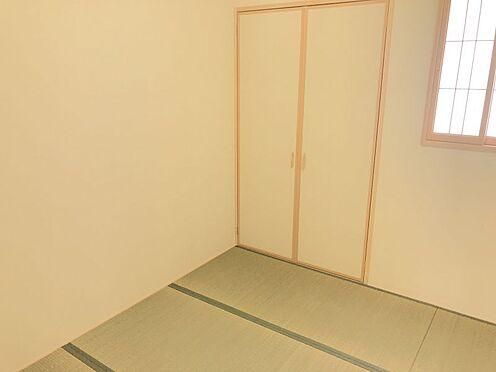 新築一戸建て-みよし市三好町荒池 LDKと和室が隣接しています。合わせると約20帖の広々空間に!(こちらは施工事例です)
