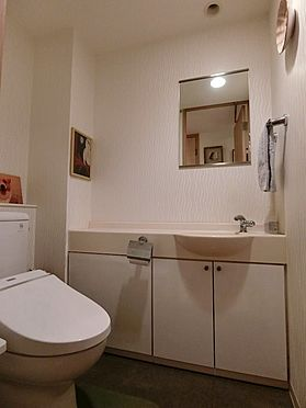 中古マンション-横浜市神奈川区栄町 手洗い付きトイレ