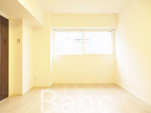 中古マンション-中野区新井1丁目 フローリングは明るい色なのでお部屋が広く見えますね