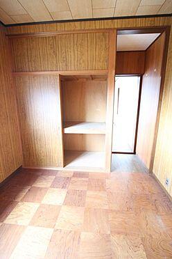 中古一戸建て-橿原市十市町 洋室は2間続きになっております。お子様のお部屋にいかがでしょうか。