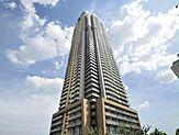 川口市内に佇む55階建のタワーマンション