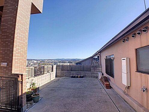 区分マンション-豊田市下市場町8丁目 お庭のように家庭菜園やガーデニングを楽しめるルーフバルコニー。毎晩のおかずが1品増えるかもしれません♪