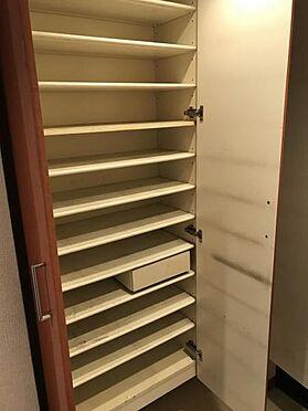 区分マンション-名古屋市西区笹塚町1丁目 収納もたっぷりあるので、靴がたくさんあっても安心! 気持ちの良い朝は、毎日ここからスタートしていきます♪