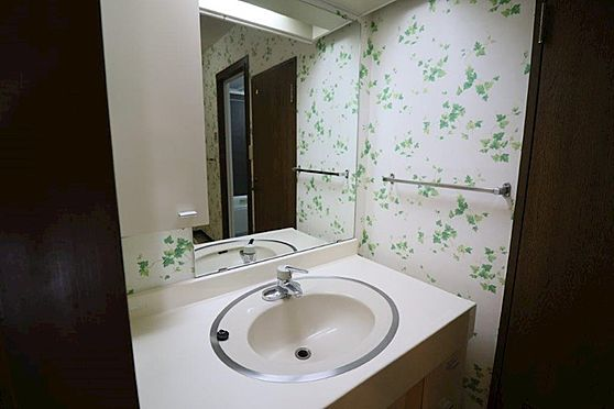 中古マンション-八王子市上柚木3丁目 ワイドタイプの洗面台