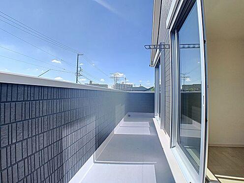 新築一戸建て-名古屋市守山区鳥羽見1丁目 洗濯物がよく乾きそうな日当たりのいいバルコニー