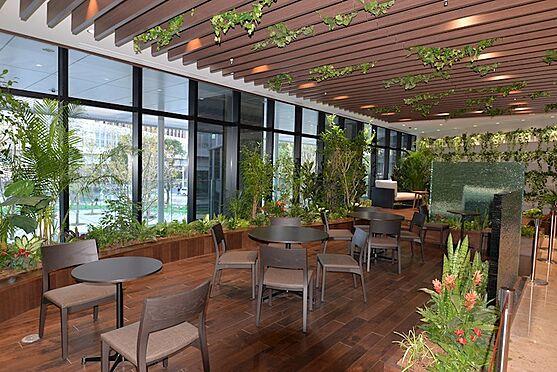 中古マンション-中央区勝どき5丁目 2Fのフォレストカフェは緑に囲まれた癒しのプライベート空間になっています。24時間利用可能。