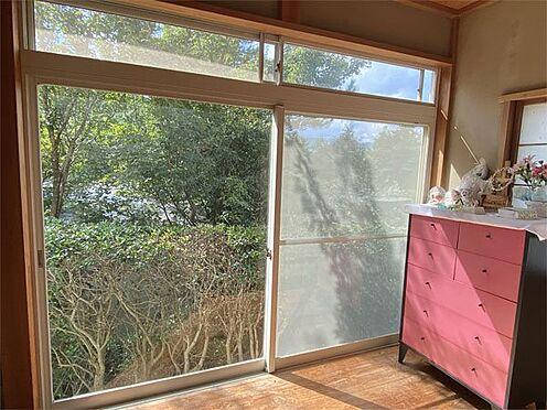 中古一戸建て-伊東市荻 【広縁】和室にある広縁は日当たり良く心地いい場所です。