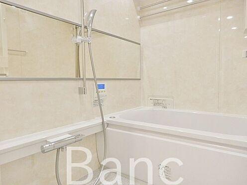 中古マンション-江東区辰巳1丁目 ゆったりとくつろげるバスルームです。