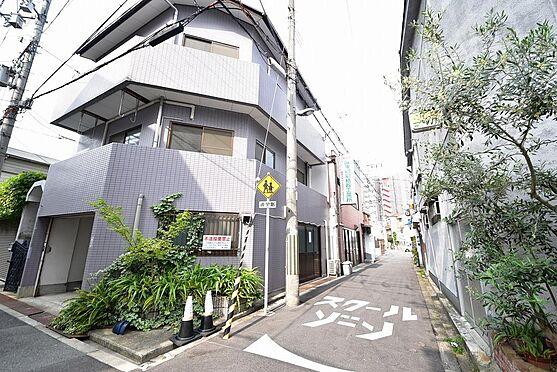 住宅付店舗(建物全部)-大阪市福島区玉川3丁目 外観写真 鉄骨造と木造の全2棟です。建物は連結しておりますが、建物登記は別です。