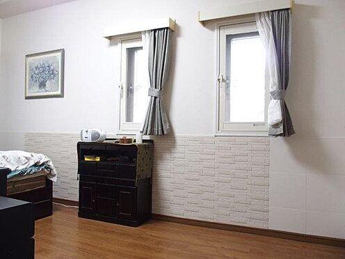 中古マンション-多摩市豊ヶ丘3丁目 約7.9帖洋室、エコカラット使用、2重サッシとなっています。