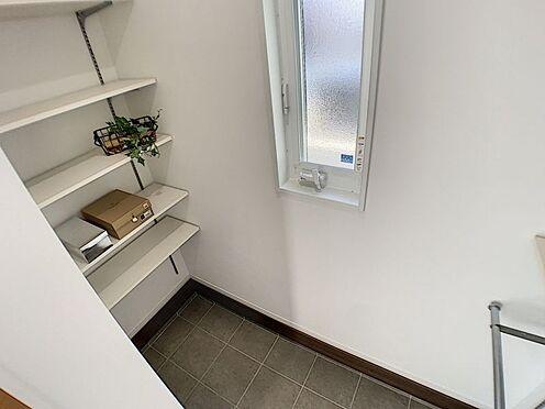 新築一戸建て-西尾市吉良町木田祐言 家族全員分の靴をしっかり収納。玄関もスッキリ綺麗に片付きます。