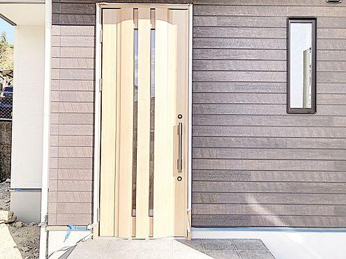 新築一戸建て-福岡市南区桧原2丁目 玄関です