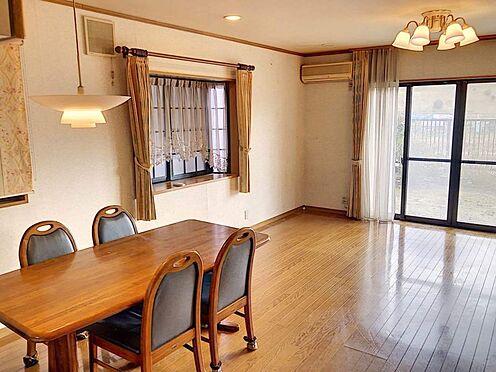 中古一戸建て-豊田市志賀町下番戸 広々LDKには出窓もあり、お洒落な空間を演出することができます♪