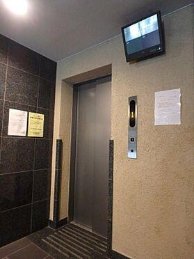 マンション(建物一部)-大阪市阿倍野区天王寺町南3丁目 エレベーターにはカメラもついていて安心。