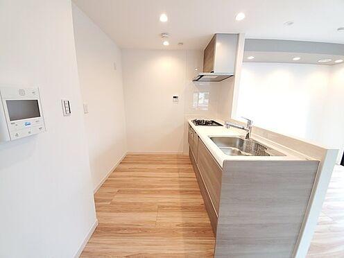 区分マンション-多摩市愛宕4丁目 人気の対面キッチン!一体型の食洗器付です!