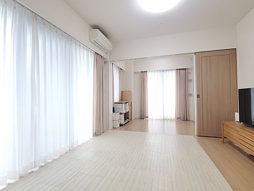 区分マンション-新宿区西新宿8丁目 リビングダイニング 家具、備品は販売価格に含まれません。