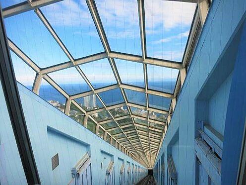 リゾートマンション-熱海市熱海 エレベーターは「斜行エレベーター」です。ゴンドラに乗った気分です。