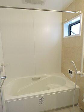 中古一戸建て-八王子市鑓水2丁目 浴室には浴室暖房乾燥機がございます。