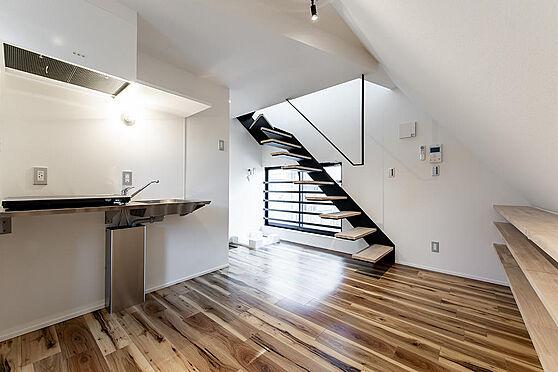 マンション(建物全部)-板橋区赤塚新町1丁目 メゾネットタイプの1LDK住戸