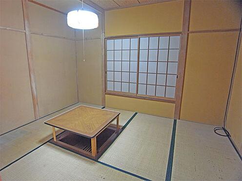 中古一戸建て-伊東市八幡野 ≪1階北側和室≫ 掘り炬燵のある6帖和室です。雨漏りがあります