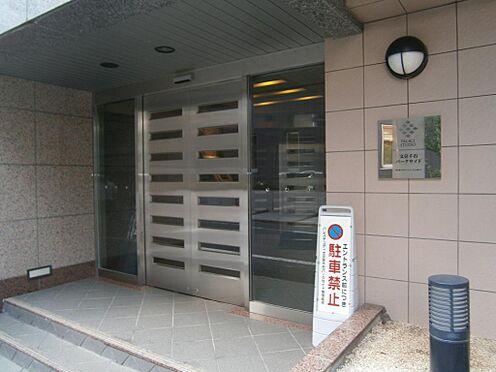 マンション(建物一部)-文京区千石4丁目 自動扉で住まう方、また来訪者をスマートに迎えます。