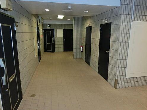 マンション(建物一部)-中央区日本橋箱崎町 共用廊下の画像です。