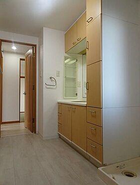 マンション(建物一部)-北九州市小倉南区中曽根1丁目 シャワー付洗面化粧台。