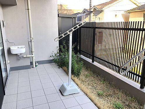 中古マンション-尾張旭市印場元町1丁目 広々南向きの専用庭で洗濯物もしっかり乾きます。またお子様やペットと遊ぶこともできます♪