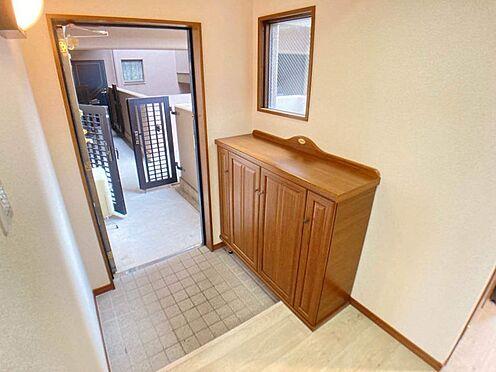 中古マンション-岡崎市東大友町字筆屋 明るい玄関があなたの帰りを迎えてくれます。